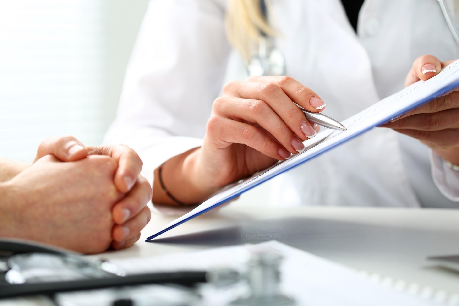 Termo de consentimento livre e esclarecido TCLE é um documento oficial em que o indivíduo concorda a realização de teste genético, pesquisa ou procedimento